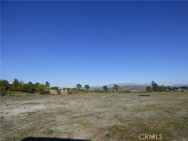 23881 Sky Mesa Road, Juniper Flats, CA 92548