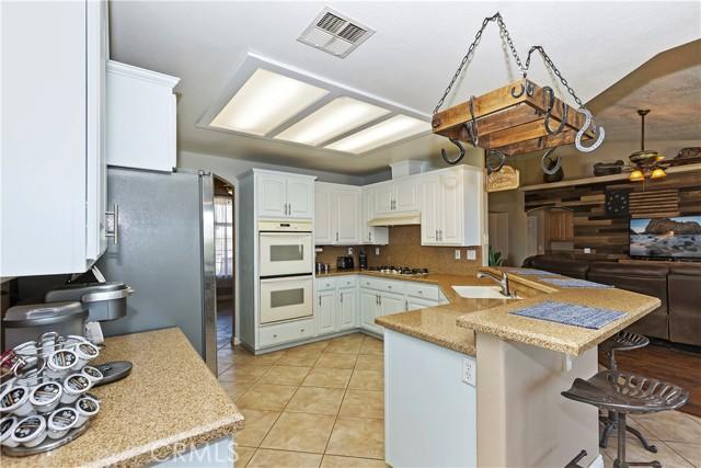 6725 Fremontia St, Oak Hills, CA 92344 Photo 12