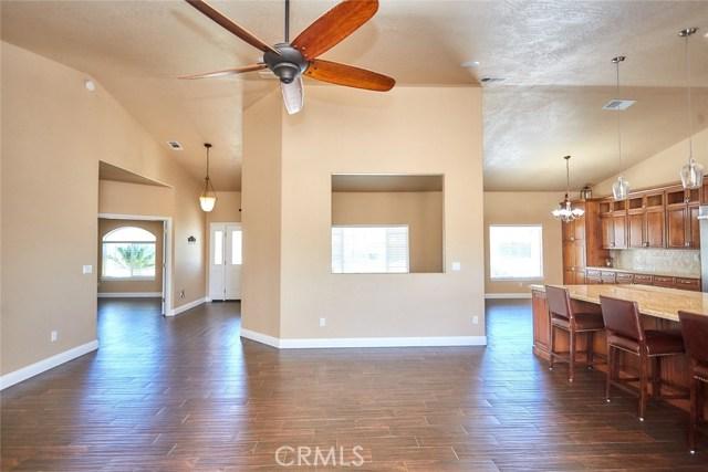 6910 Oak Vista Ln, Oak Hills, CA 92344 Photo 21