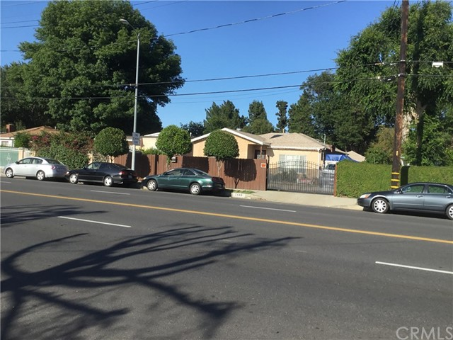 7448 Lindley Avenue, Reseda, CA 91335