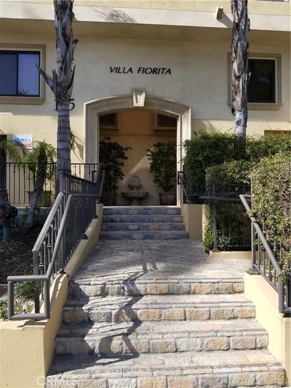 地址: 155 Hamilton Drive, Beverly Hills, CA 90211