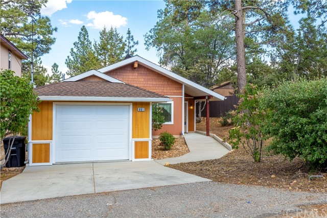 881 Maple Lane, Big Bear, CA 92386