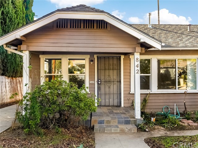 842 E Ladera St, Pasadena, CA 91104 Photo 1