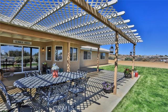 10224 Whitehaven St, Oak Hills, CA 92344 Photo 33