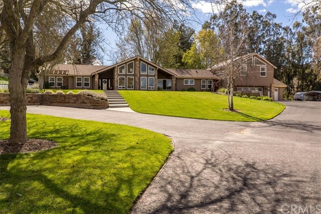 5735 Vanessa Drive, Santa Maria, CA 93455