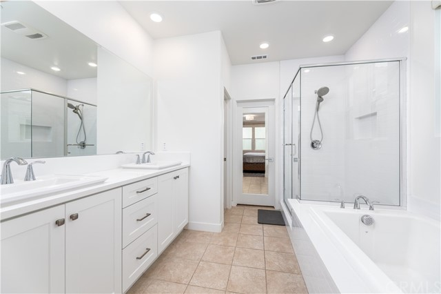 13. 235 Siena Lake Forest, CA 92630