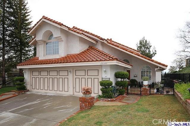22120 Grovepark Drive, Saugus, CA 91350