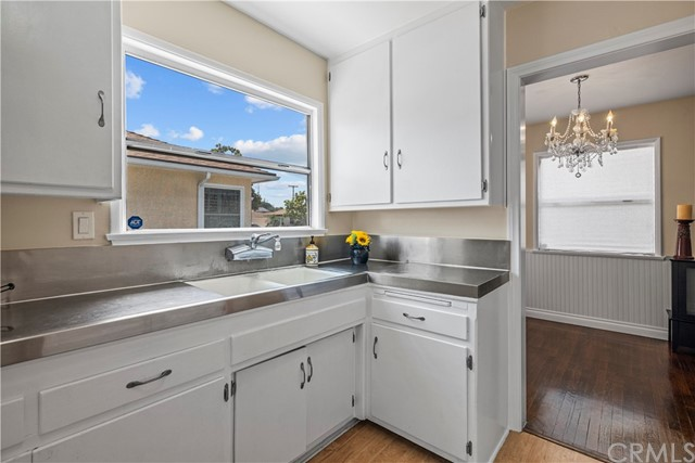 Kitchen / doorway to dining area