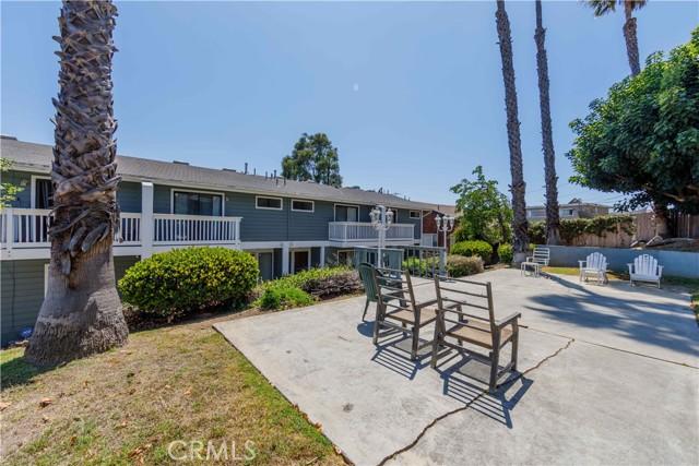 4. 185 E Pepper Drive Long Beach, CA 90807