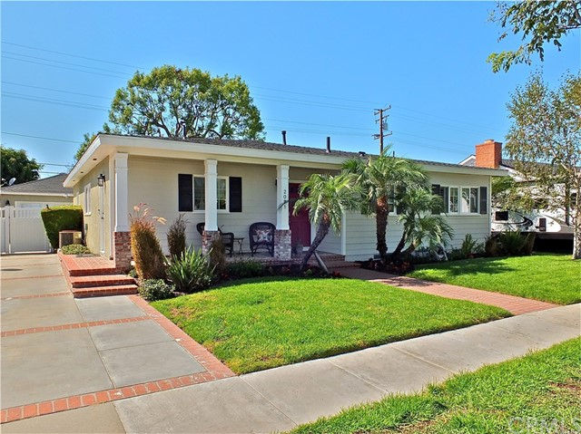 2081 Snowden Avenue, Long Beach, CA 90815