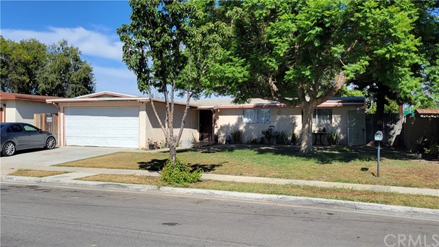 This home is perfect for those buyers seeking a home that needs a lot of work and looking to transform it into something great again! A wonderful opportunity awaits. This 3-bedroom, 1.75 bath home has a large backyard. The home features a living room, a dining room with direct kitchen access, and a two-car attached garage. Big price reduction!