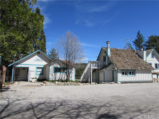 2723 Highland Drive, Running Springs, CA 92382