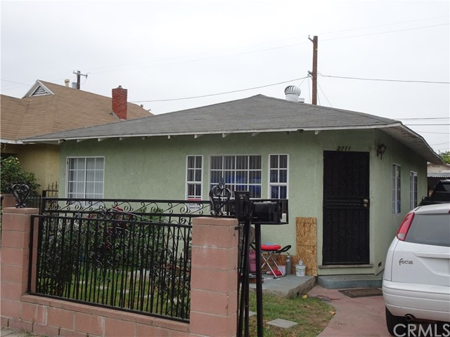 2711 Pepper Avenue, Los Angeles, CA 90065