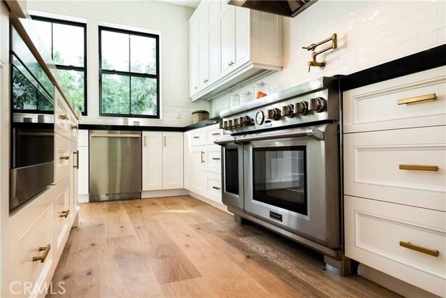 856 14th Street, Manhattan Beach, California 90266, 5 Bedrooms Bedrooms, ,5 BathroomsBathrooms,For Sale,14th,SB18245508