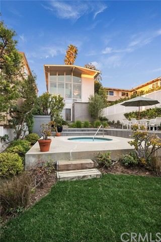 822 6th Street- Manhattan Beach- California 90266, 3 Bedrooms Bedrooms, ,1 BathroomBathrooms,For Sale,6th,SB20025019