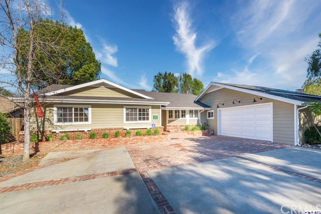 Photo of 17437 Chase Street, Northridge, CA 91325