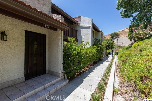9529 Via Salerno, Sun Valley, CA 91504