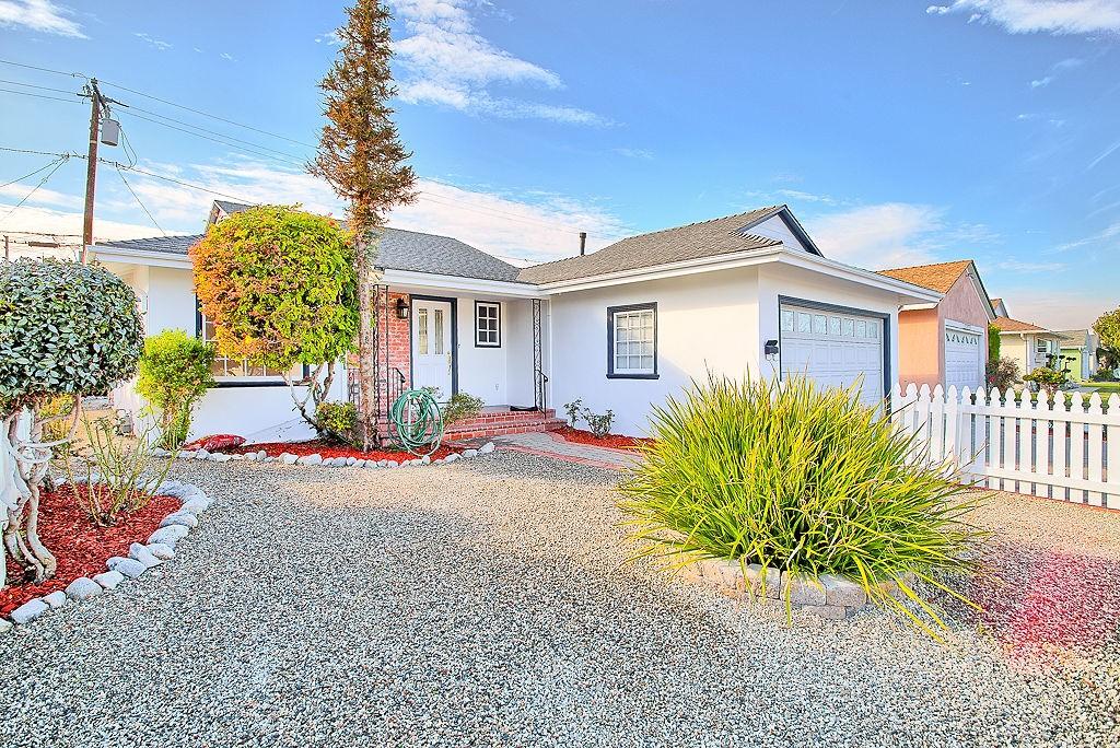 Photo of 15519 Roselle Avenue, Lawndale, CA 90260