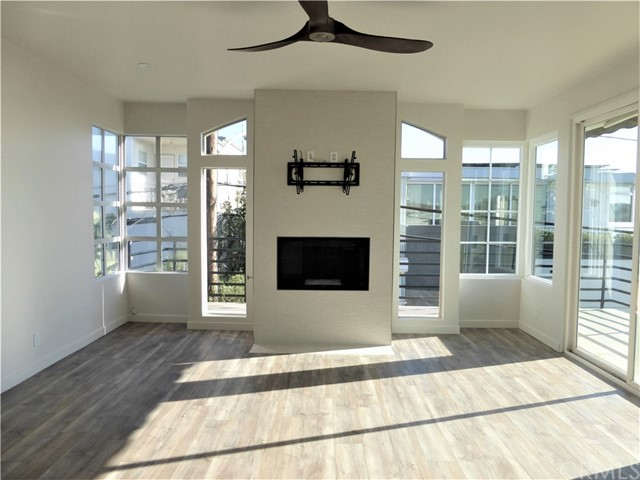 413 20th Place 1, Manhattan Beach, California 90266, 3 Bedrooms Bedrooms, ,3 BathroomsBathrooms,For Rent,20th,SB21026588
