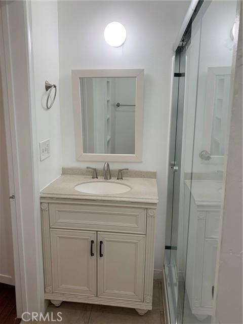 unit 1 bathroom 1