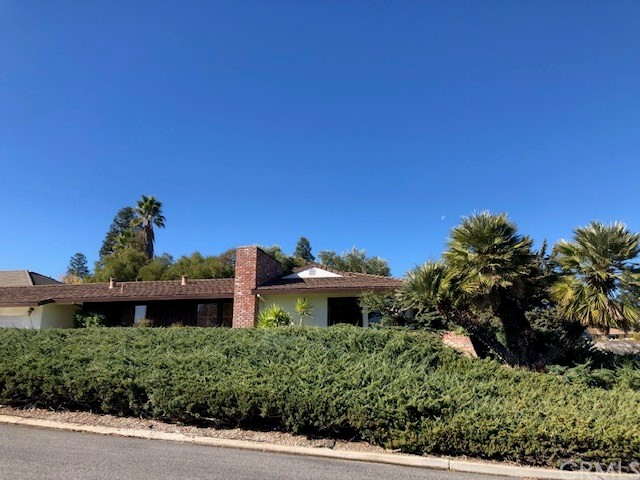 1518 Country Club Drive, Paso Robles, CA 93446