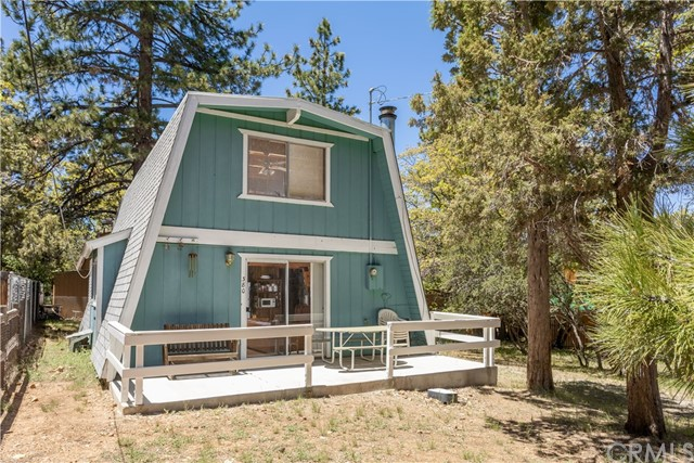 380 Kern Avenue, Sugar Loaf, CA 92386