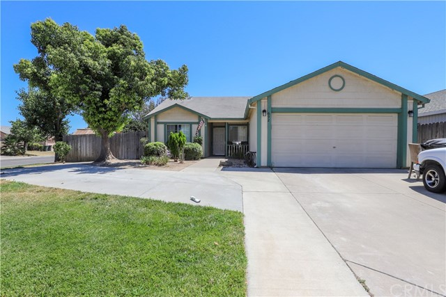 692 Oakwood Way, Livingston, CA 95334