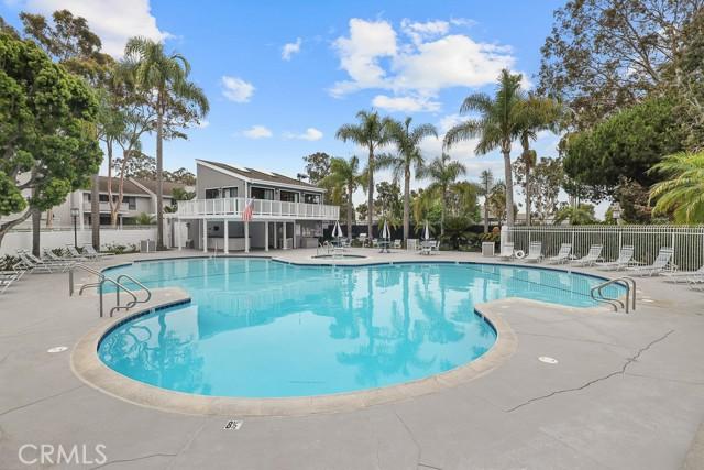 33. 18 Robon Court Newport Beach, CA 92663