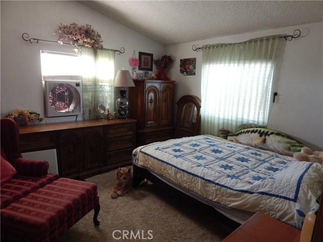 11024 Medlow Av, Oak Hills, CA 92344 Photo 32