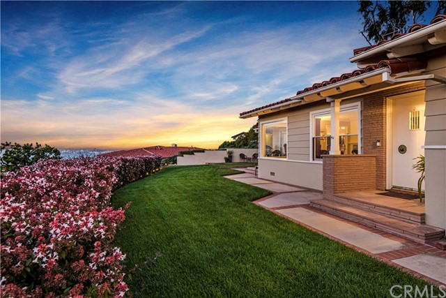 704 Via Horcada, Palos Verdes Estates, California 90274, 3 Bedrooms Bedrooms, ,1 BathroomBathrooms,Single family residence,For Sale,Via Horcada,PV19038129