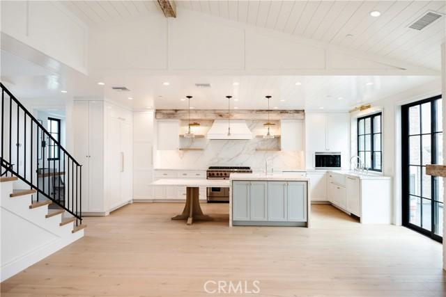 1102 Loma Dr Drive, Hermosa Beach, California 90254, 3 Bedrooms Bedrooms, ,1 BathroomBathrooms,For Sale,Loma Dr,SB21008309
