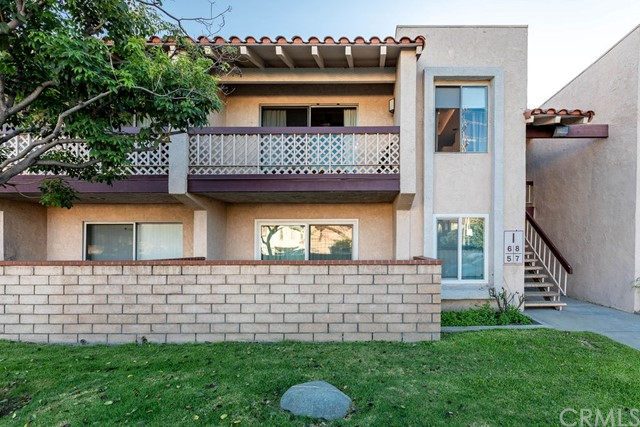 700 W La Veta Avenue I6, Orange, CA 92868