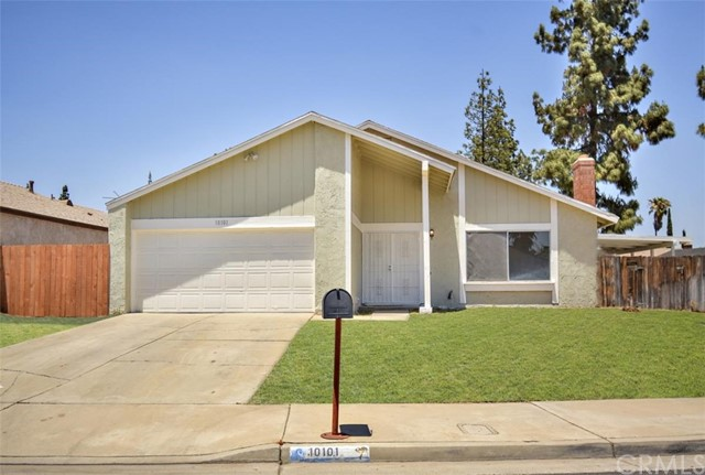 10101 Leucadia Ln, Riverside, CA 92503
