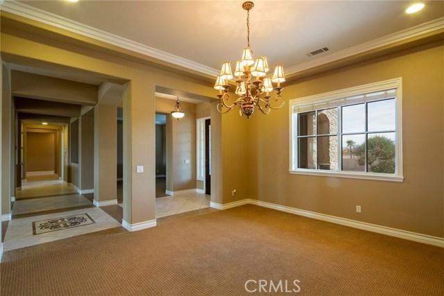 7560 Royal View Ln, Oak Hills, CA 92344 Photo 4