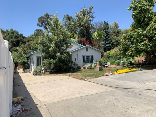 215 E Sierra Madre Avenue, Azusa, CA 91702