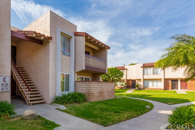 700 W La Veta Avenue C8, Orange, CA 92868