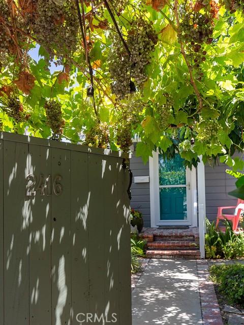 2416 W Chandler Boulevard, Burbank, CA 91506
