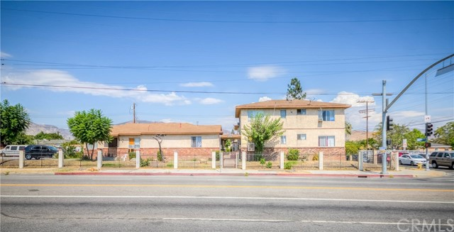 A Great Investment Opportunity for 14U. APT Building in San Fernando, 4=2BR+1BA, 10=1BR+1BA, Huge Lot 21,934 Sq.Ft, Building Size 10,524 Sq.Ft, 22 Parking Spaces, Huge Potential to Increase Value, Very Conveniently Close to Freeway, School, Shopping and Restaurants, Pride Of Ownership, Never Been Vacant For Last Few Years, Located At the Corner of Glenoaks and Vaughn, Right Off 118 FWY, Also Easy Access to 210 & 5 FWY.