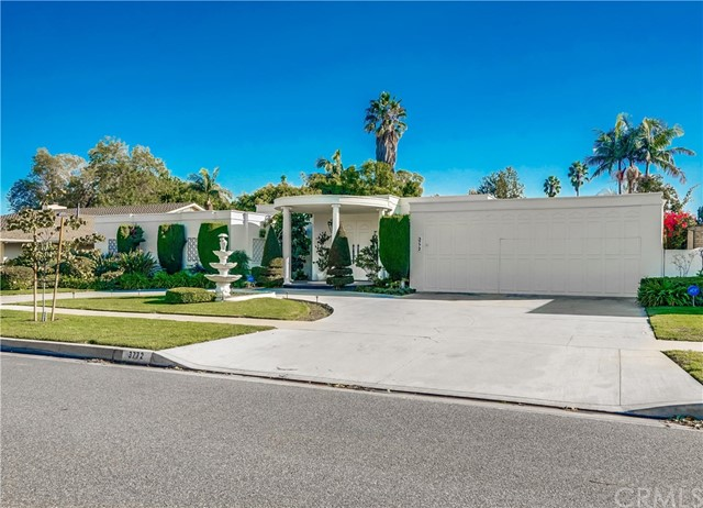 3772 Parkview Drive, Lakewood, California 90712, 4 Bedrooms Bedrooms, ,2 BathroomsBathrooms,Single Family Residence,For Sale,Parkview,PW20243393