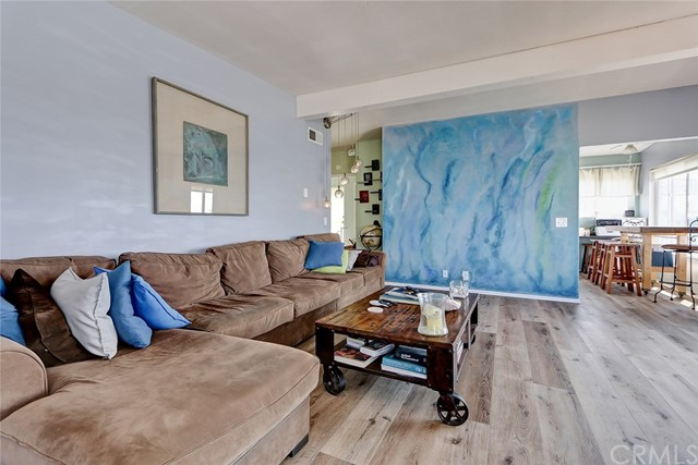 201 34th Street, Hermosa Beach, California 90254, 3 Bedrooms Bedrooms, ,3 BathroomsBathrooms,For Sale,34th,SB20211161