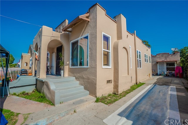 1213 E 59th Place, Los Angeles, CA 90001