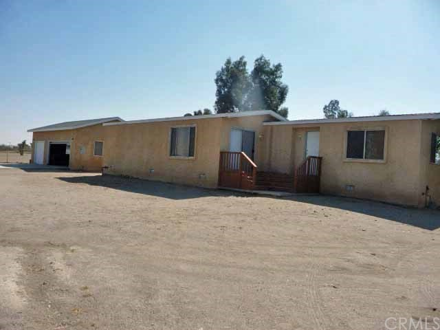 4425 La Mesa Road, Phelan, CA 92371