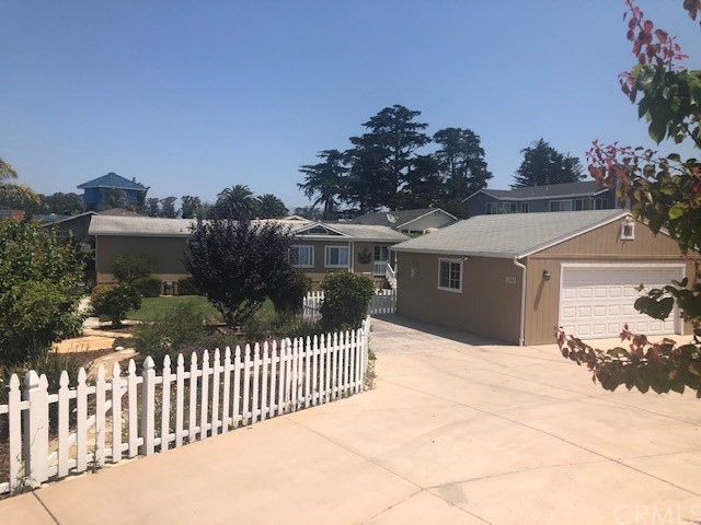 1730 Peacock Place, Oceano, CA 93445