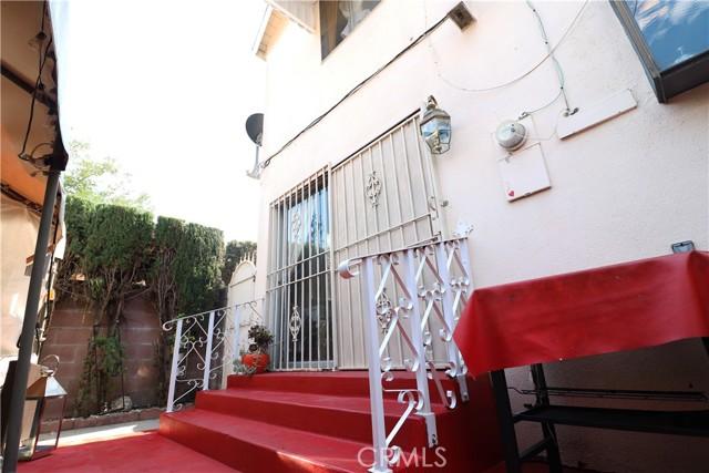 27. 10116 San Miguel Avenue South Gate, CA 90280