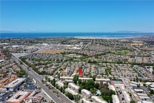 32. 18761 Club Lane Huntington Beach, CA 92648