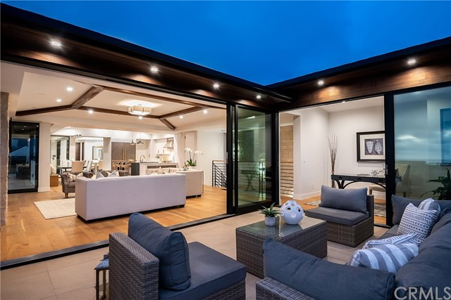 719 24th Place- Hermosa Beach- California 90254, 5 Bedrooms Bedrooms, ,5 BathroomsBathrooms,For Sale,24th,SB19211334