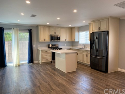 Newly Built Backhouse Spacious Floor Plan Washer Dryer Stove, Refrigerator Laminate Flooring Central AC / Heat Secured Parking