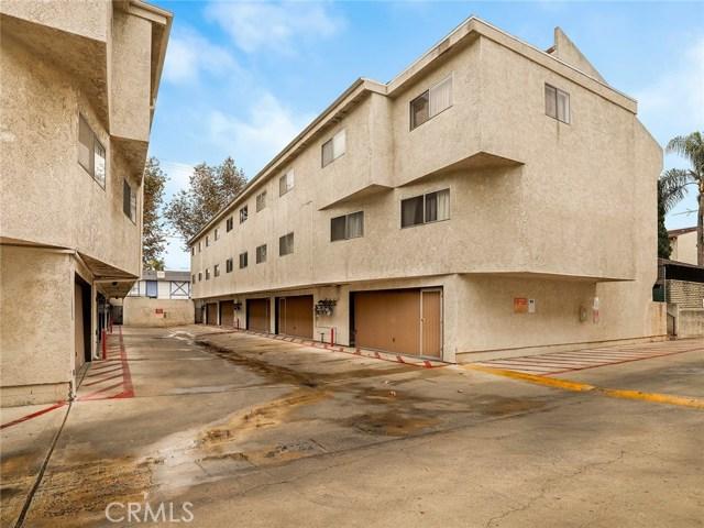 7439 Woodman Avenue 27, Van Nuys, CA 91405