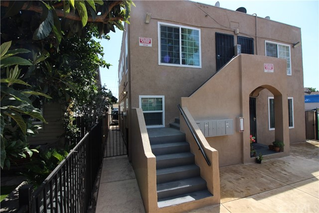 1066 W 1st Street, Santa Ana, CA 92703