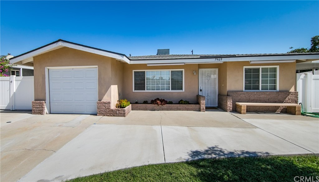 7469     Shasta Avenue, Highland CA 92346